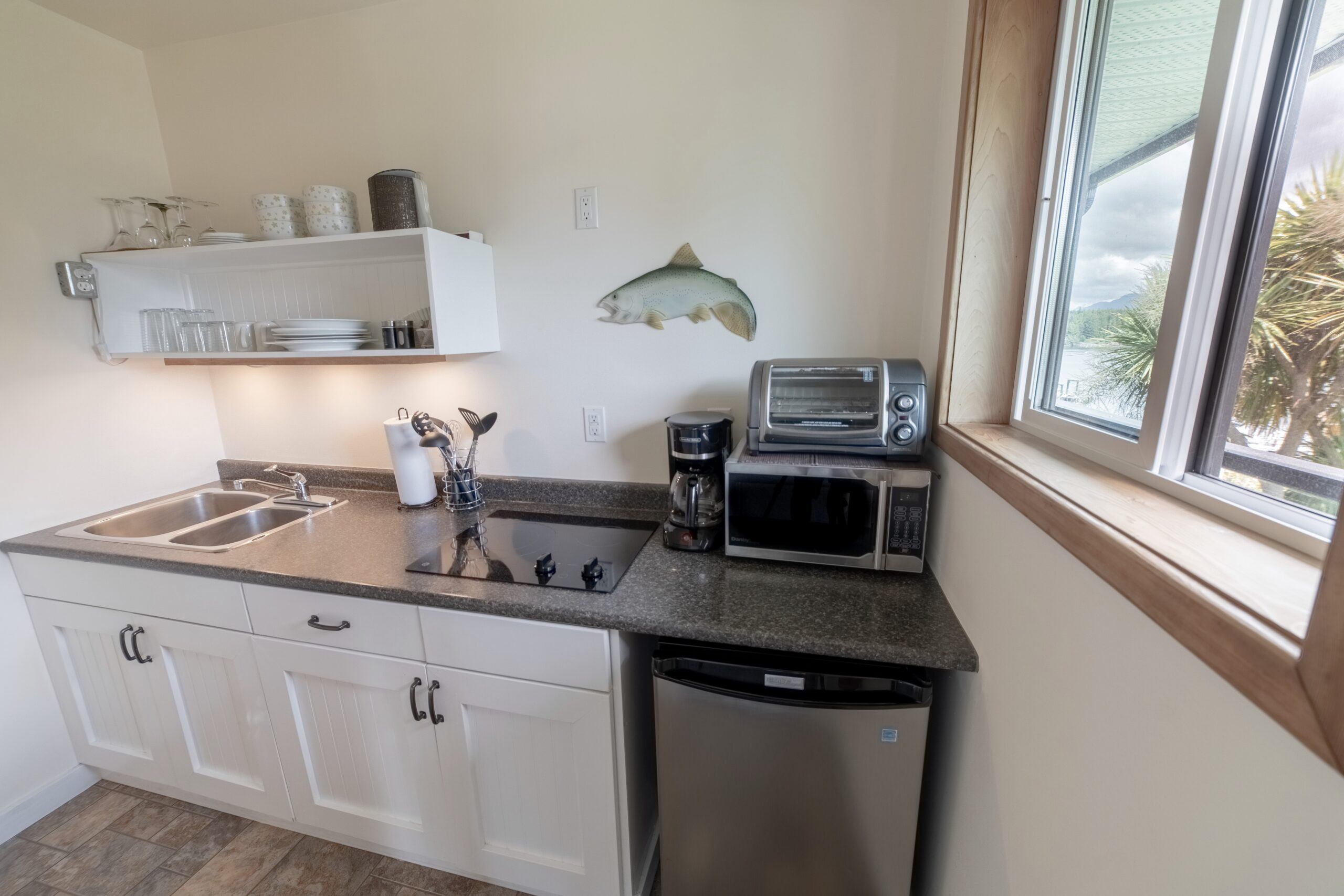 Ocean Inlet View Kitchenette Suite